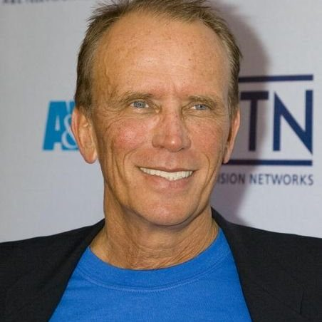 "NEW YORK - APRIL 18: Actor Peter Weller arrives at the A&E Network's ""Up-Fronts"" event to unvail its Fall 2006 season line-up at the Time Warner Center's Fredrick P.Rose Hall April 18, 2006 in New York City.  (Photo by Clarence Elie-Rivera/Getty Images)"